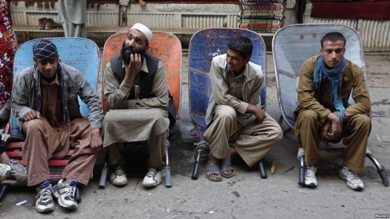 هشدار بانک جهانی درباره گسترش ۷۲ درصدی فقر به علت شیوع کرونا در افغانستان