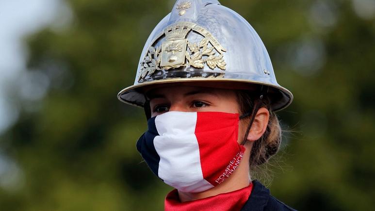 فرانسه ماسک را اجباری میکند